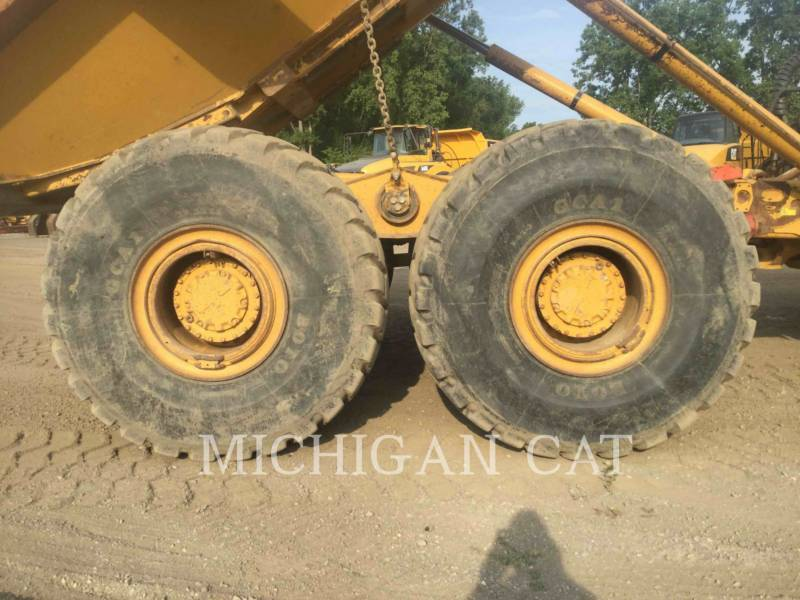 CATERPILLAR ARTICULATED TRUCKS 740 T equipment  photo 19