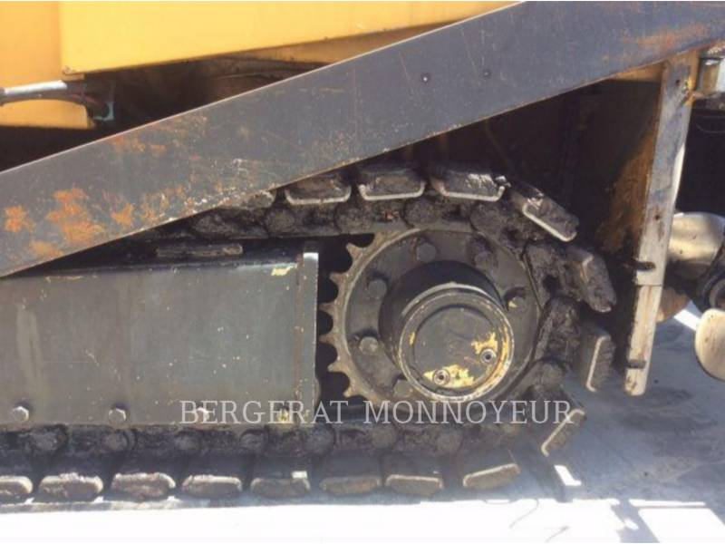 CATERPILLAR ASPHALT PAVERS BB-621C equipment  photo 8