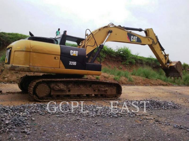 CATERPILLAR KOPARKI GĄSIENICOWE 320D2 equipment  photo 2