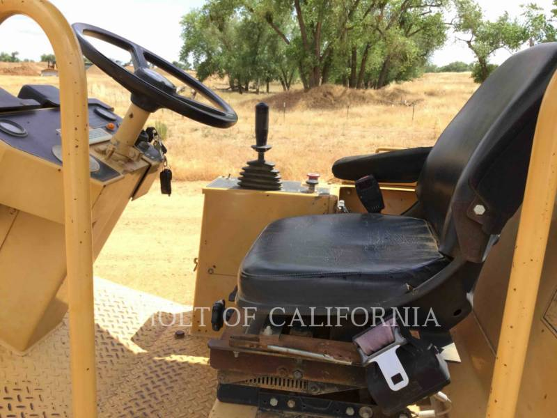 CATERPILLAR COMPACTADORES CS-323C equipment  photo 16