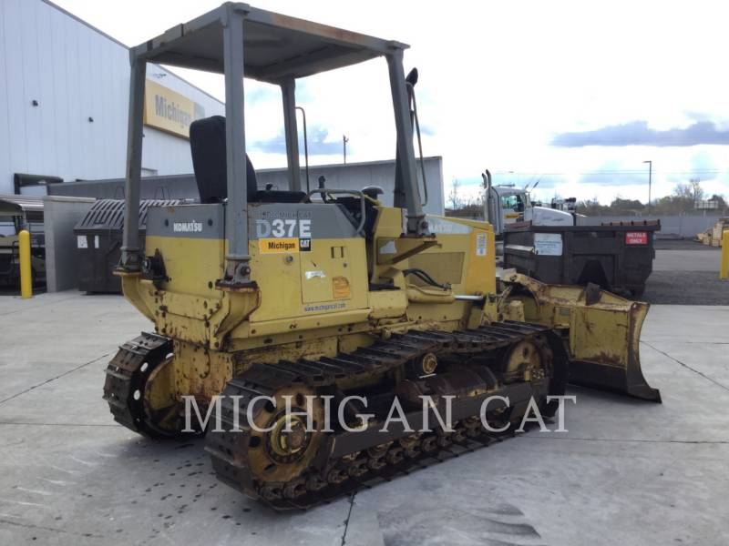 KOMATSU KETTENDOZER D37E equipment  photo 3