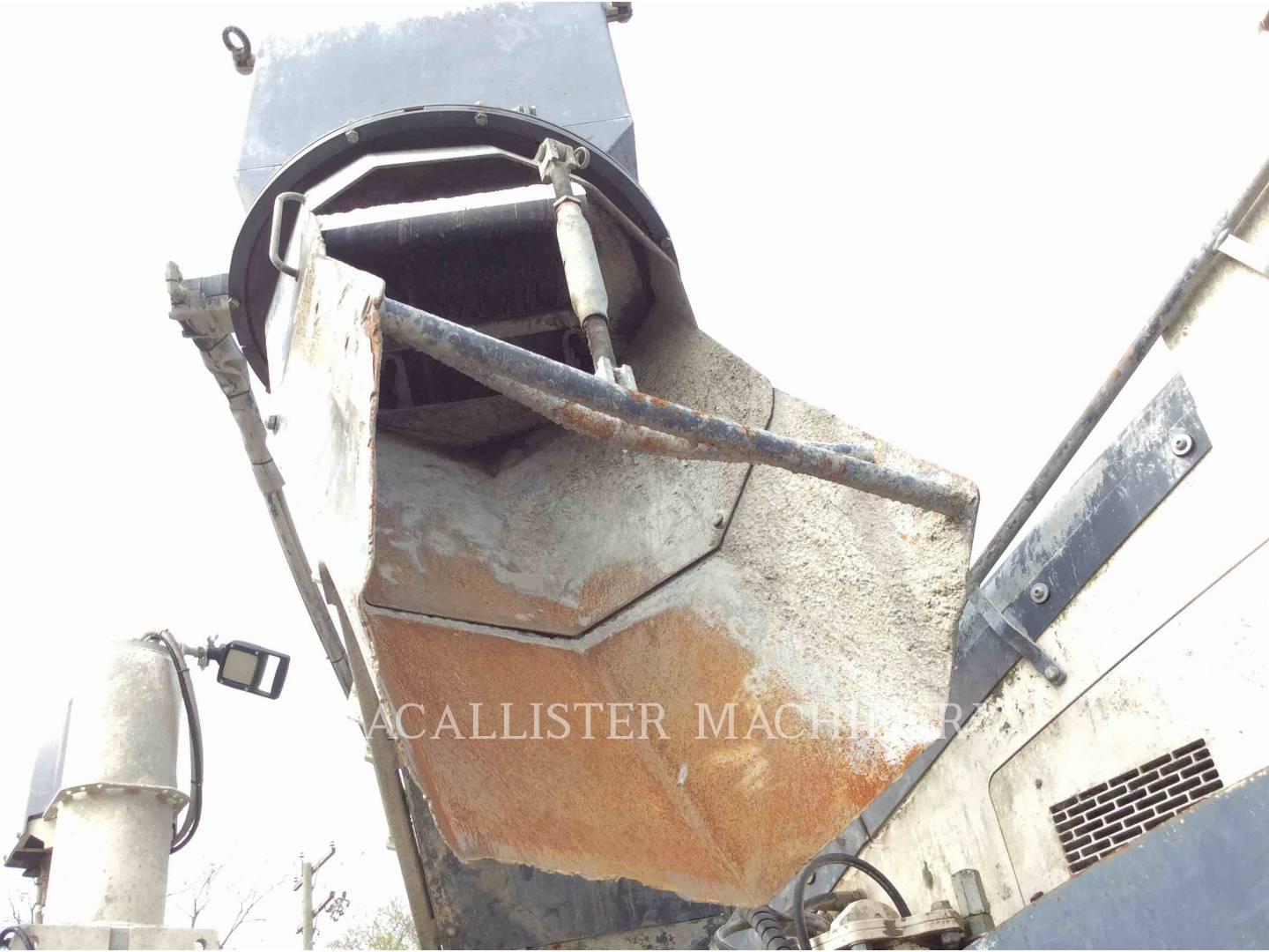 Detail photo of 2014 Wirtgen  SP15I from Construction Equipment Guide