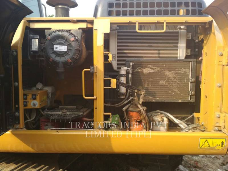 CATERPILLAR KETTEN-HYDRAULIKBAGGER 320D2L equipment  photo 3