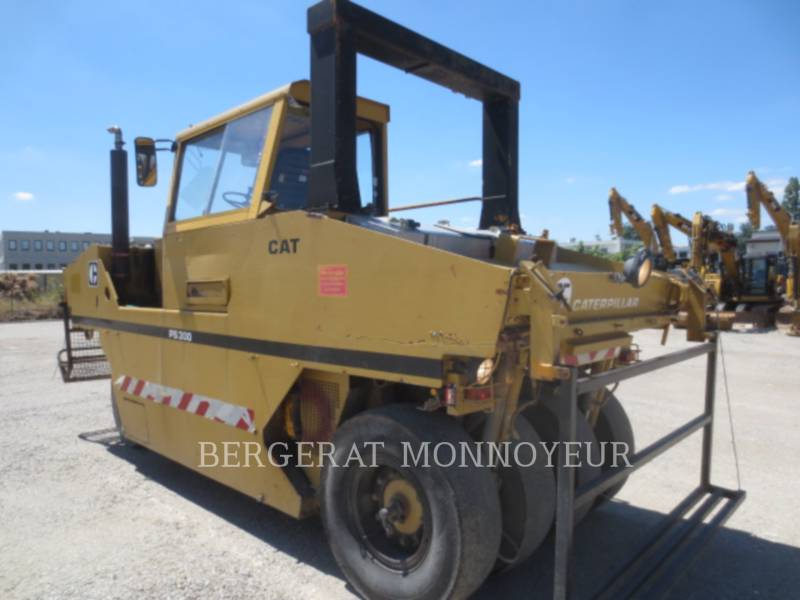 CATERPILLAR COMPACTEURS PS300 equipment  photo 4