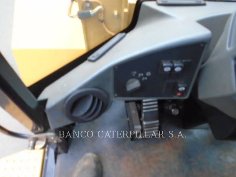 CATERPILLAR CARGADORES DE RUEDAS 938H equipment  photo 16