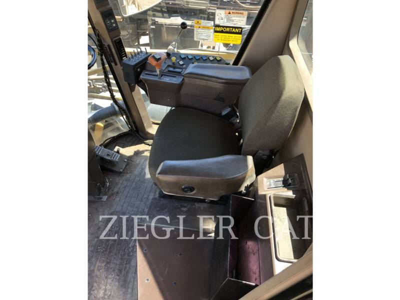 AG-CHEM PULVERIZADOR 854 equipment  photo 22