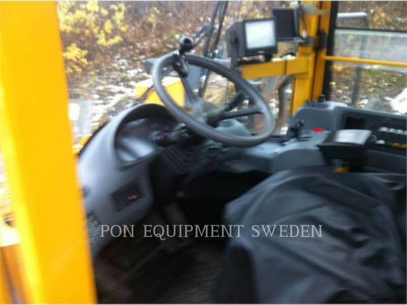 VOLVO CONSTRUCTION EQUIPMENT CHARGEURS SUR PNEUS/CHARGEURS INDUSTRIELS L330E equipment  photo 4