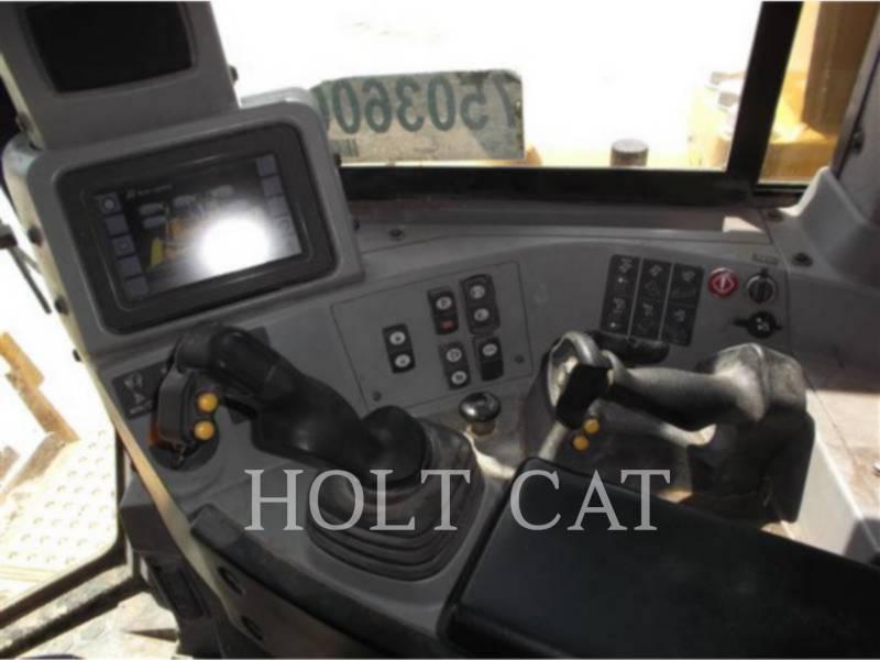 CATERPILLAR 履带式推土机 D8T equipment  photo 6