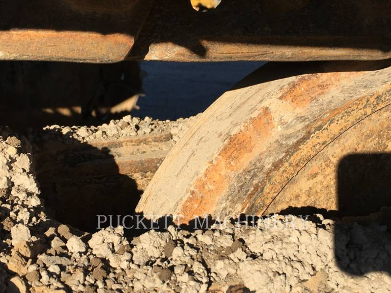 CATERPILLAR TRACK EXCAVATORS 324EL equipment  photo 13