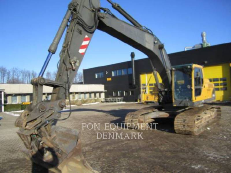 VOLVO CONSTRUCTION EQUIPMENT PELLES SUR CHAINES EC240BLC equipment  photo 1