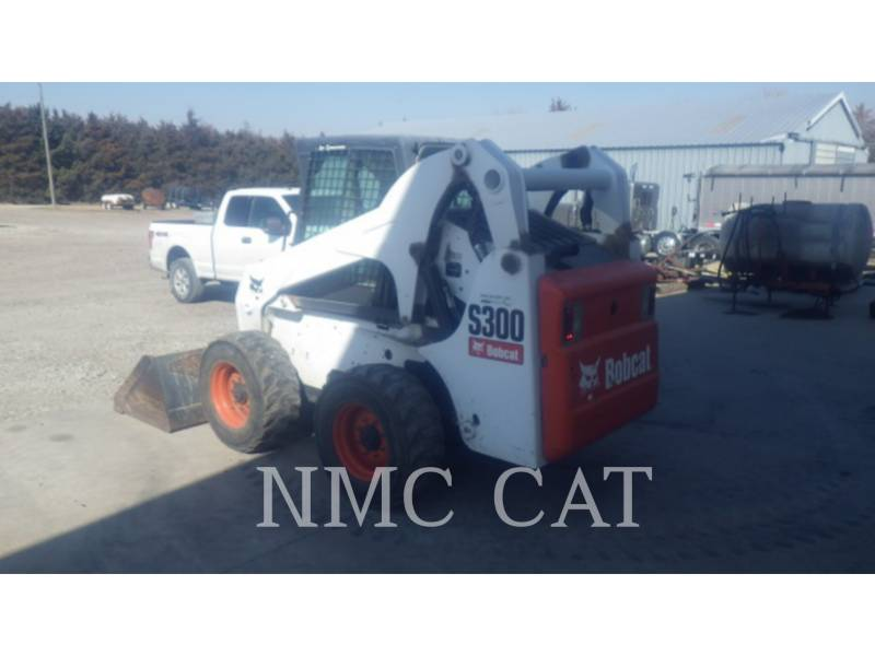 BOBCAT KOMPAKTLADER S300_BB equipment  photo 2