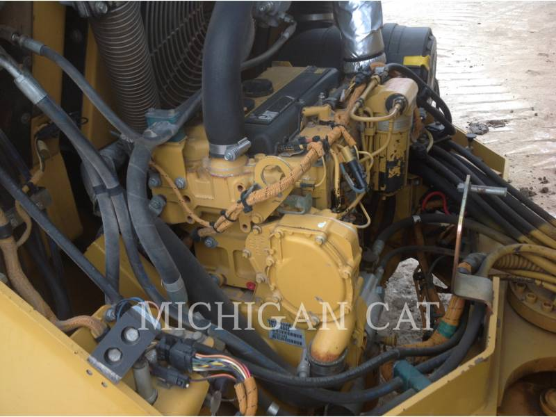 CATERPILLAR VIBRATORY DOUBLE DRUM ASPHALT CB-564D equipment  photo 8