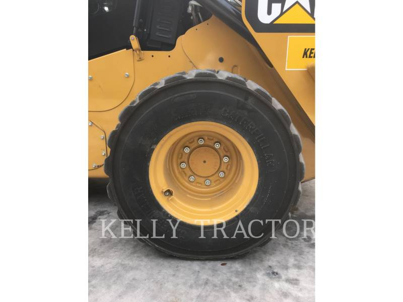 CATERPILLAR SKID STEER LOADERS 272D2 equipment  photo 16