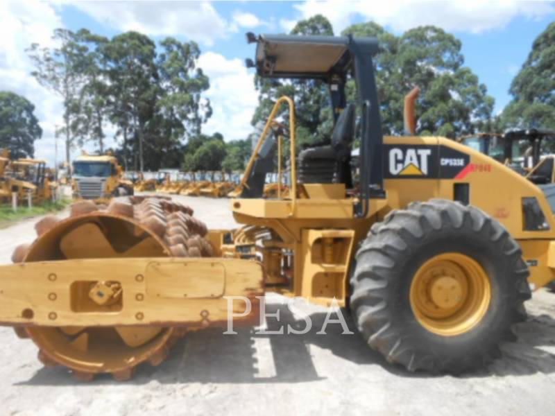 CATERPILLAR SOPORTE DE TAMBOR ÚNICO VIBRATORIO CP-533E equipment  photo 1