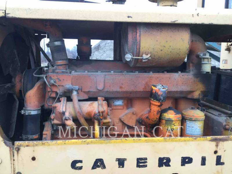 CATERPILLAR NIVELEUSES 120 equipment  photo 10