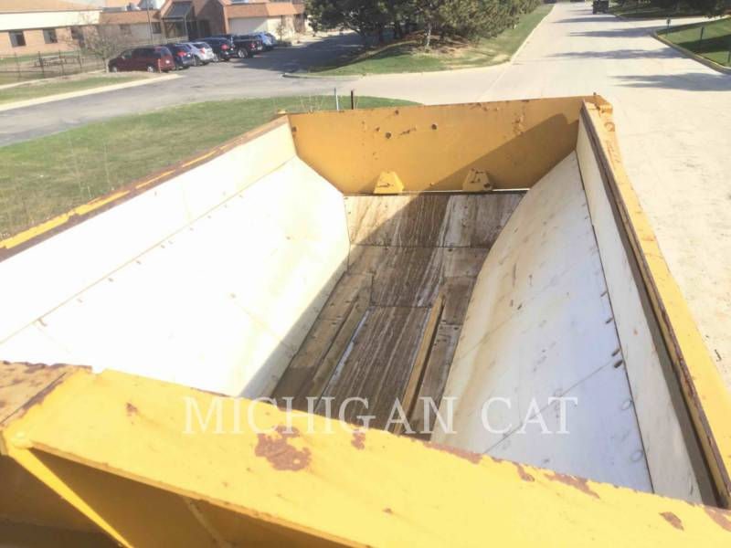 CATERPILLAR CAMIONES ARTICULADOS 730 T equipment  photo 12
