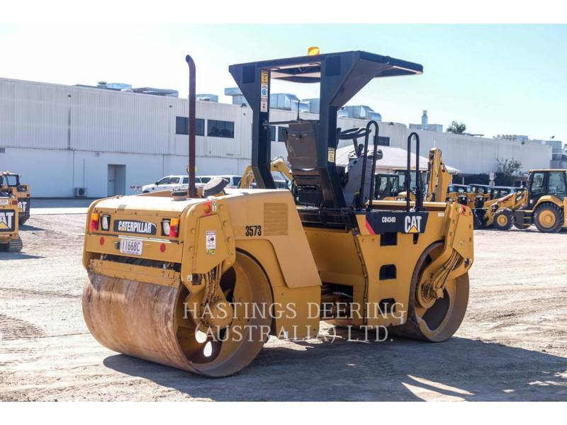 CATERPILLAR ROLO COMPACTADOR DE ASFALTO DUPLO TANDEM CB-434D equipment  photo 7