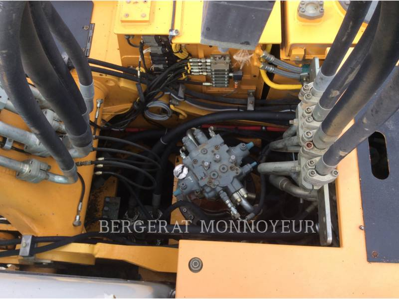 LIEBHERR PELLES SUR CHAINES R914C equipment  photo 15