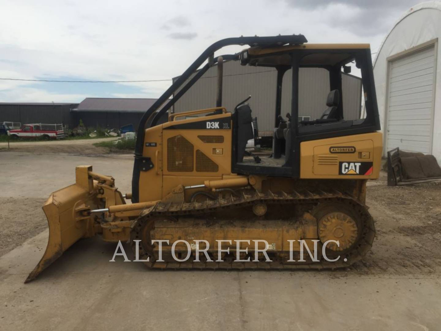 Detail photo of 2008 Caterpillar D3K XL from Construction Equipment Guide