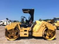 CATERPILLAR TRILLENDE DUBBELE TROMMELASFALTEERMACHINE CB64 equipment  photo 3