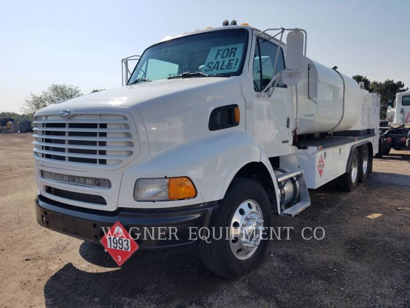 STERLING CAMIONES DE CARRETER FUEL LUBE TRUCK equipment  photo 1