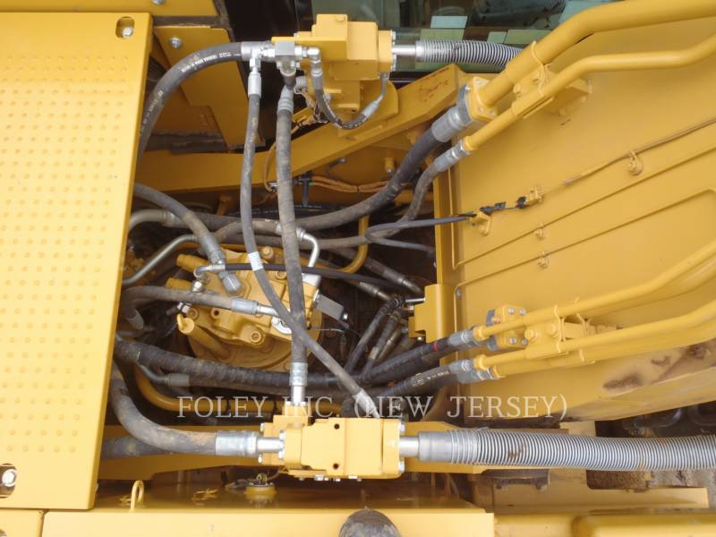 CATERPILLAR TRACK EXCAVATORS 329FL equipment  photo 15