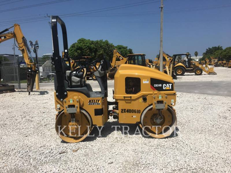 CATERPILLAR ROLO COMPACTADOR DE ASFALTO DUPLO TANDEM CB24B equipment  photo 6