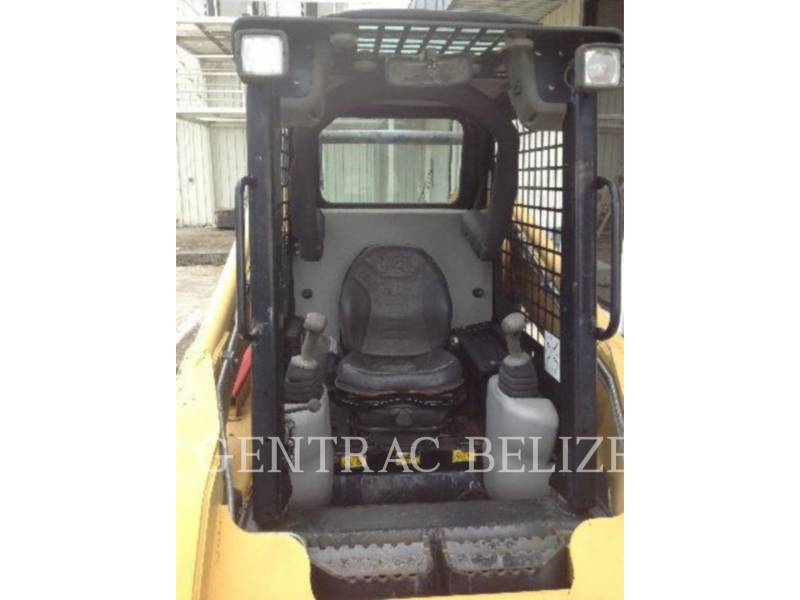 CATERPILLAR KOMPAKTLADER 262B equipment  photo 5