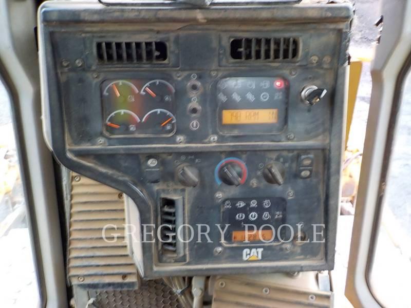 CATERPILLAR TRACK TYPE TRACTORS D6T XL equipment  photo 24