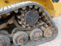 CATERPILLAR CARGADORES MULTITERRENO 257B equipment  photo 18