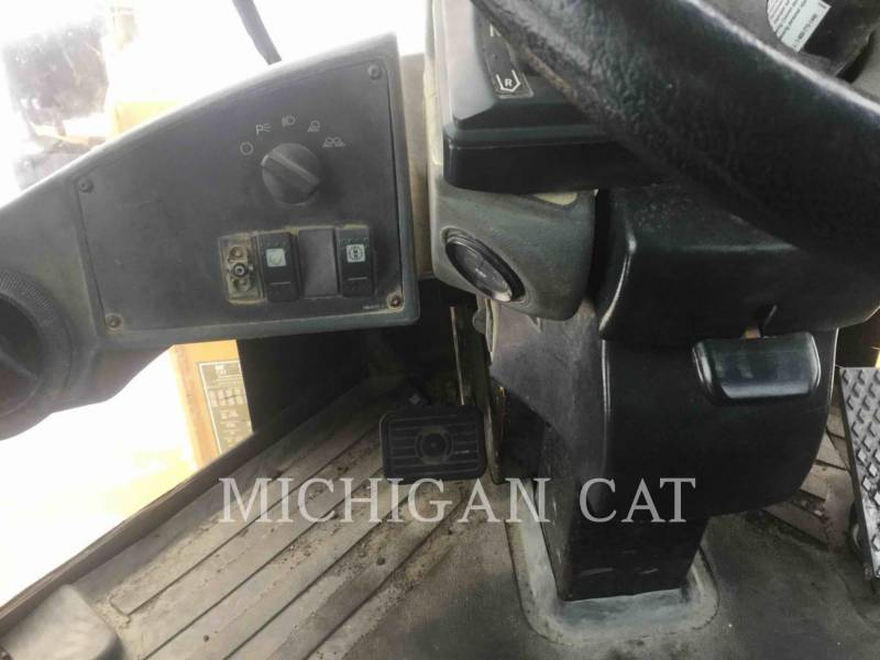 CATERPILLAR WHEEL LOADERS/INTEGRATED TOOLCARRIERS 938G equipment  photo 21