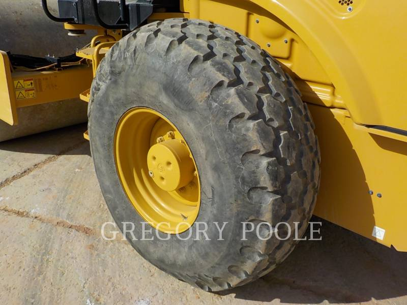CATERPILLAR COMPACTEUR VIBRANT, MONOCYLINDRE LISSE CS-54B equipment  photo 17