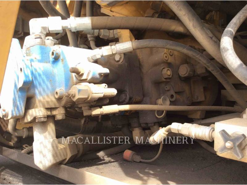 CATERPILLAR FINISSEURS AP-1055D equipment  photo 8