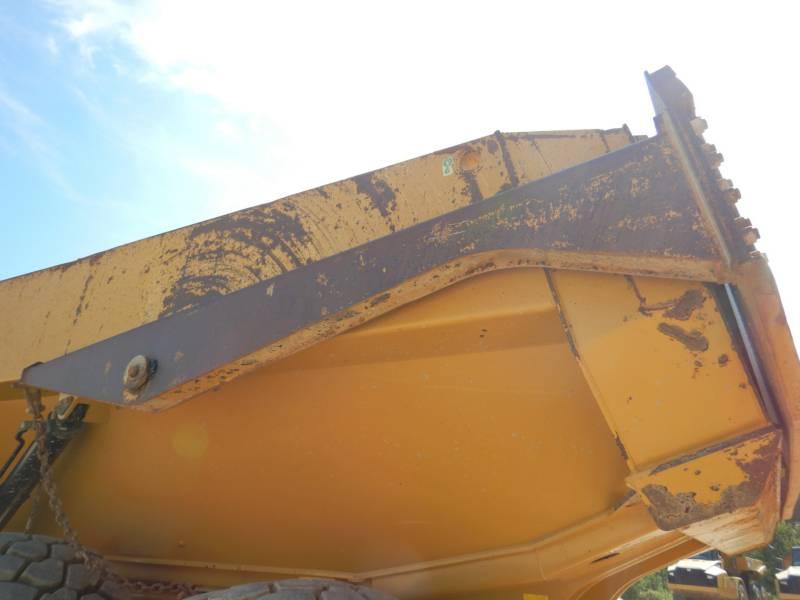 CATERPILLAR KNIKGESTUURDE TRUCKS 740 B equipment  photo 16