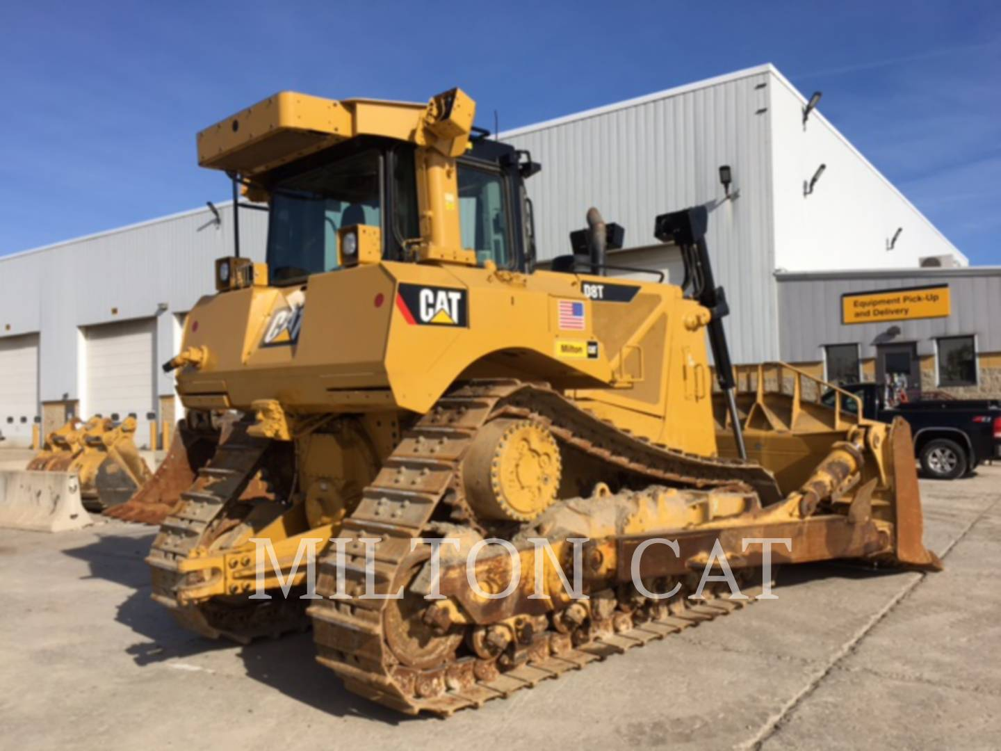Detail photo of 2013 Caterpillar D8T from Construction Equipment Guide