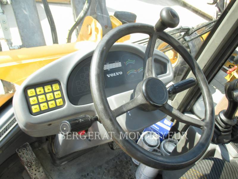 VOLVO CONSTRUCTION EQUIPMENT PALE GOMMATE/PALE GOMMATE MULTIUSO L40B equipment  photo 8