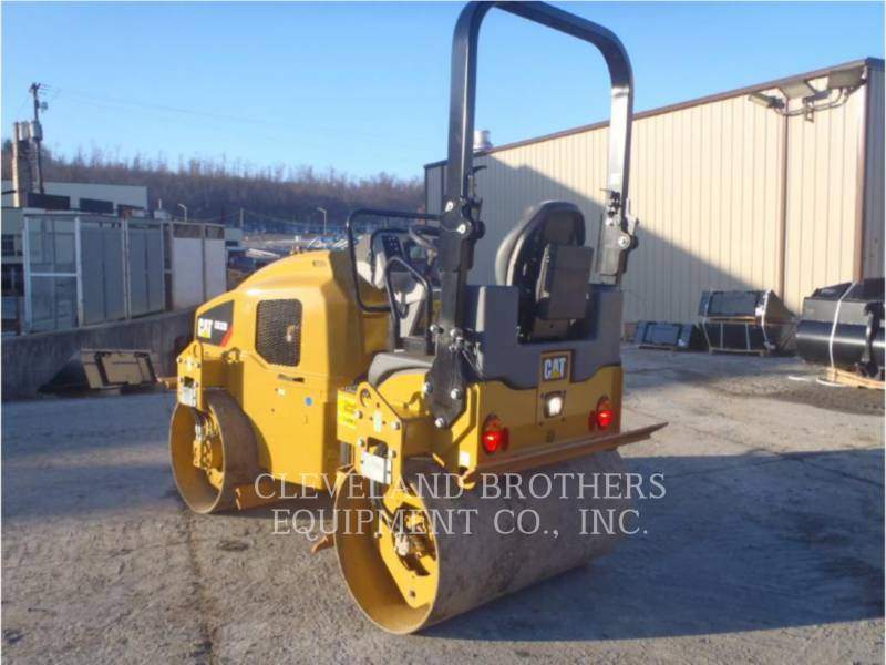 CATERPILLAR COMPACTORS CB32B equipment  photo 4