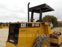 CATERPILLAR COMPACTEUR VIBRANT, MONOCYLINDRE À PIEDS DAMEURS CP-433C equipment  photo 17