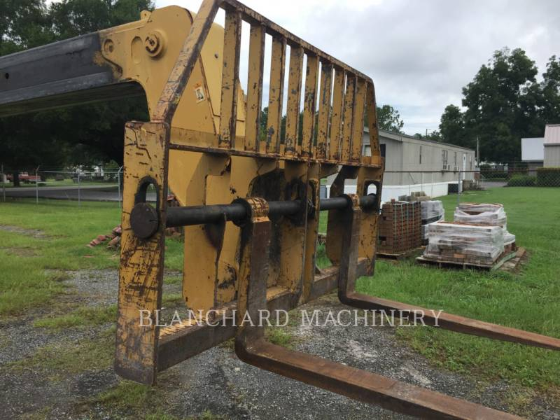 CATERPILLAR TELEHANDLER TH103 equipment  photo 7