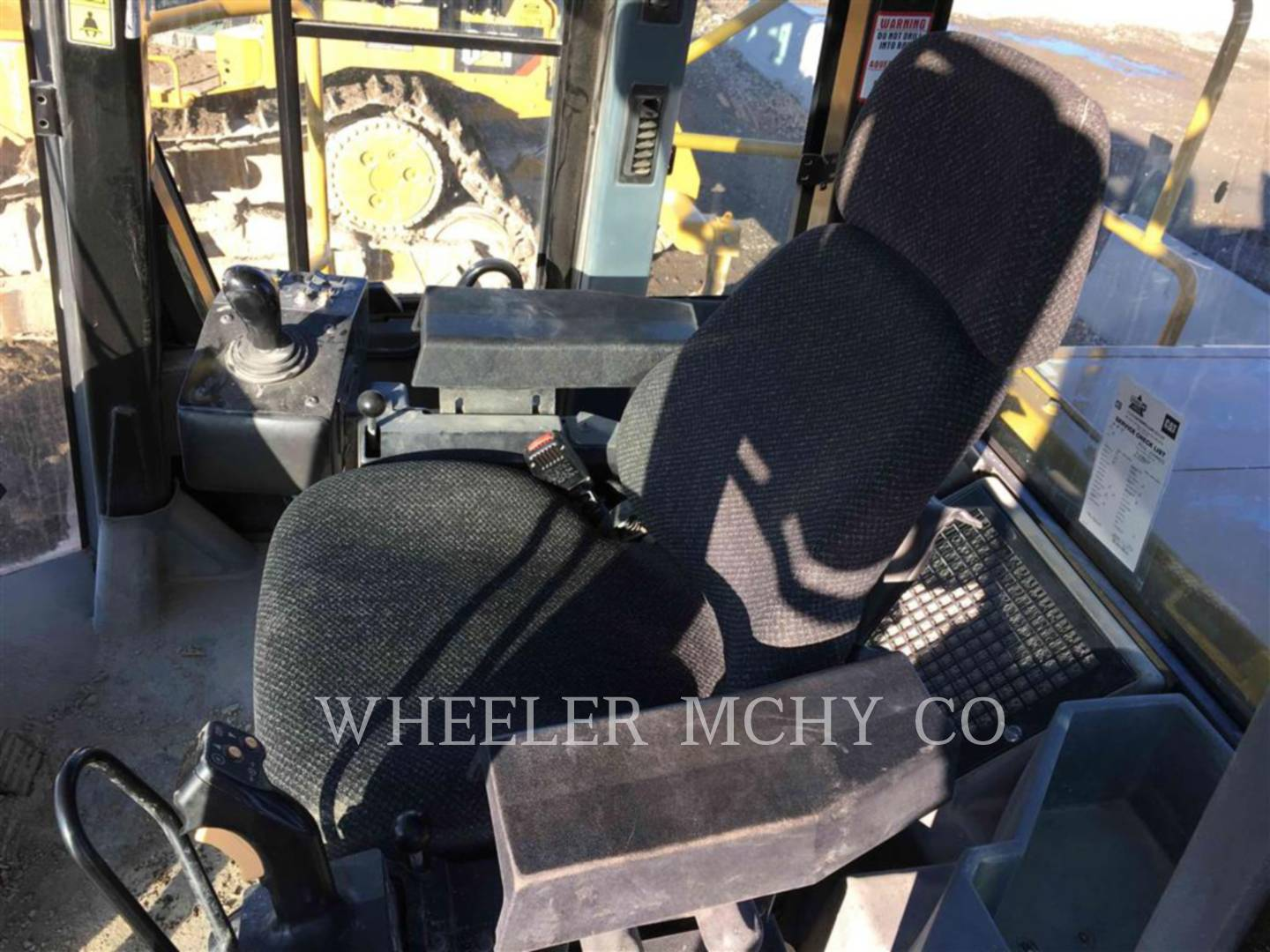 Detail photo of 2014 Caterpillar 825H from Construction Equipment Guide
