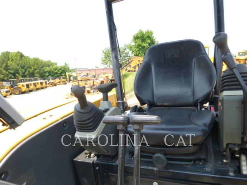 CATERPILLAR EXCAVADORAS DE CADENAS 303.5E2 equipment  photo 5