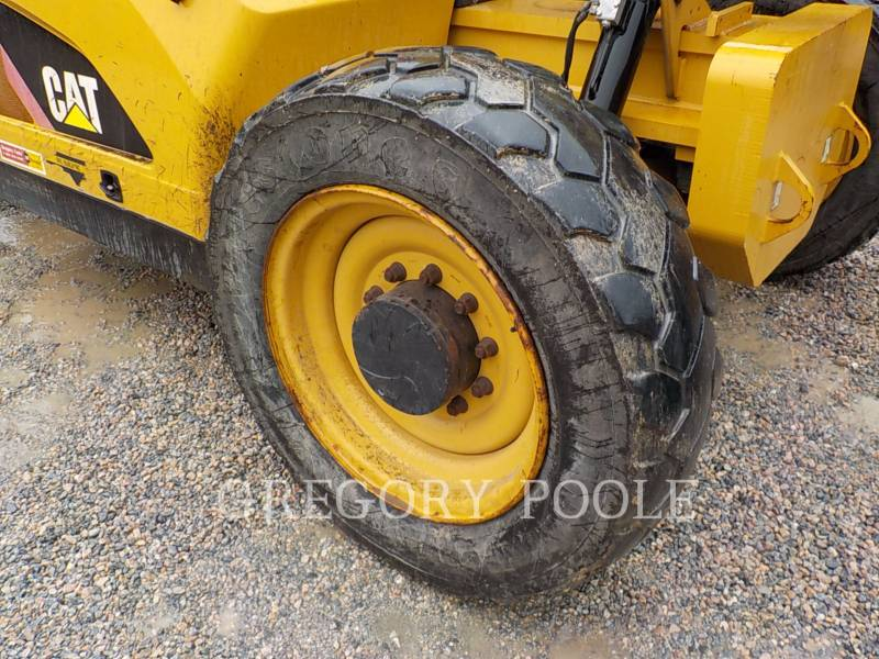 CATERPILLAR TELEHANDLER TL943C equipment  photo 20
