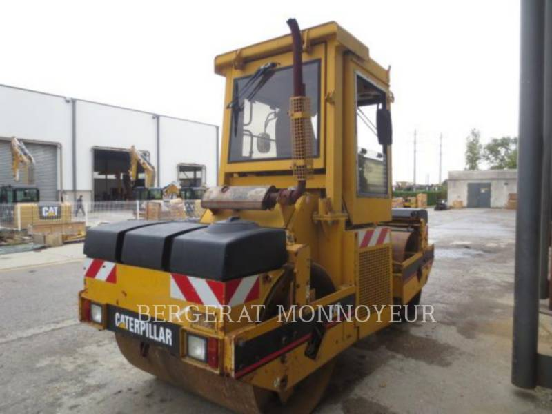 CATERPILLAR COMPACTEURS TANDEMS VIBRANTS CB-434B equipment  photo 4