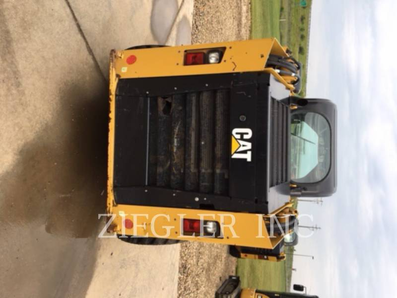 CATERPILLAR CHARGEURS COMPACTS RIGIDES 246D equipment  photo 5
