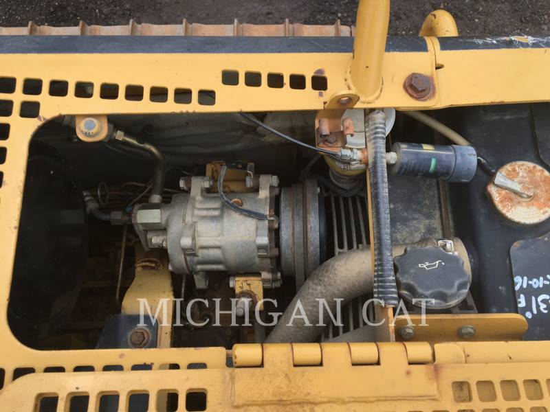 CATERPILLAR TRACK TYPE TRACTORS D3GX C equipment  photo 5