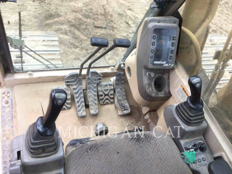 CATERPILLAR TRACK EXCAVATORS 322BL equipment  photo 4