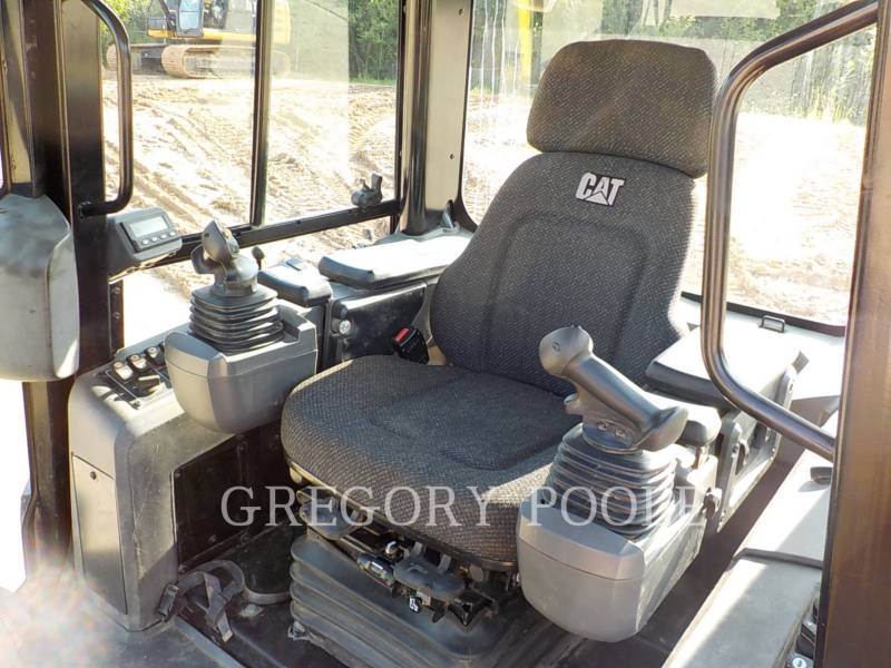 CATERPILLAR TRACK TYPE TRACTORS D6K XL equipment  photo 20