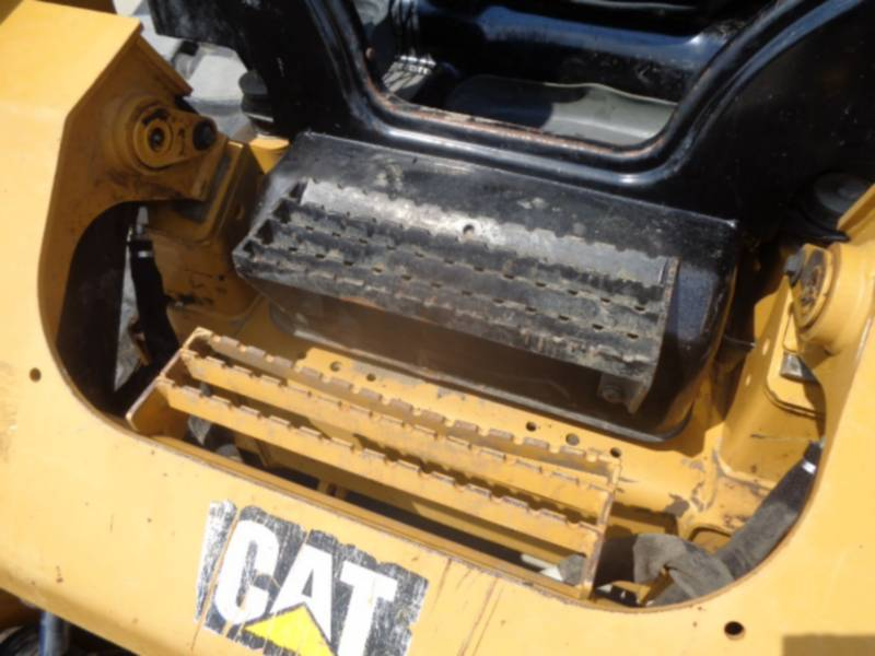 CATERPILLAR CHARGEURS TOUT TERRAIN 299D equipment  photo 19