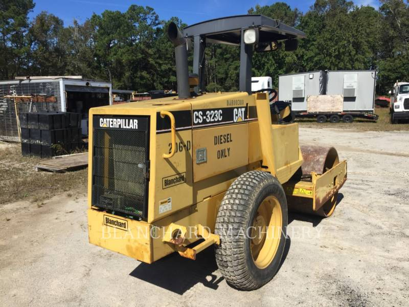 CATERPILLAR VIBRATORY SINGLE DRUM SMOOTH CS-323C equipment  photo 3