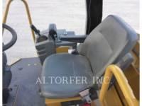 CATERPILLAR VIBRATORY SINGLE DRUM SMOOTH CP433E equipment  photo 6